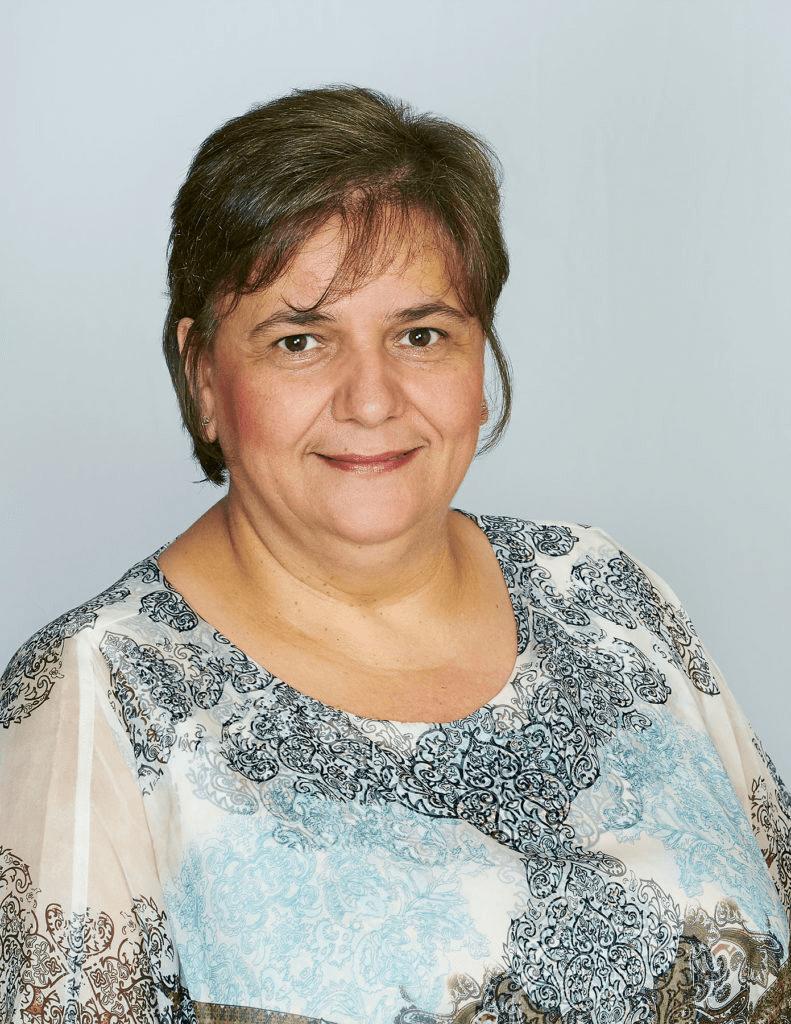 Flora Ennis portrait shot